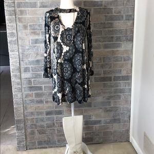 Ariella retro mini dress. Black with dark colors M
